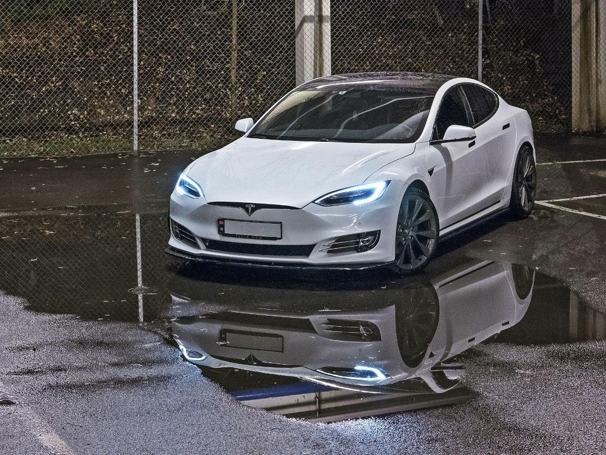 Dokładki Progów Tesla Model S Facelift - GRUBYGARAGE - Sklep Tuningowy